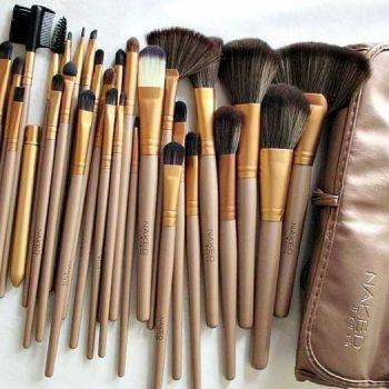 Naked3 Professional Makeup Brush Set - 32 Pcs Cloud Shop BD Cloudshopbd.com