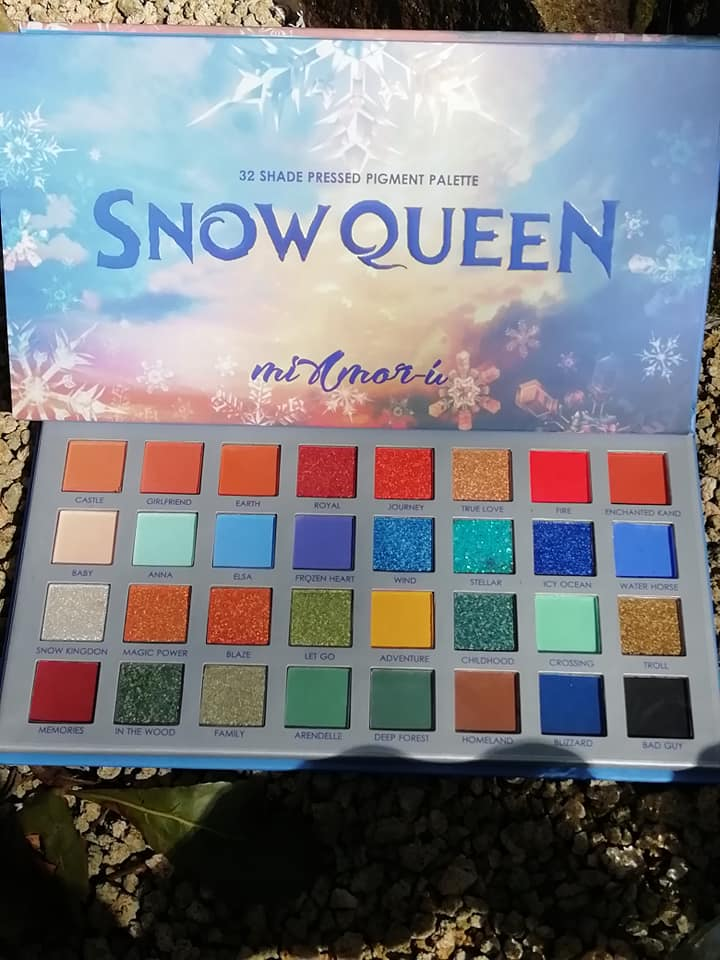 SNOWQUEEN 32 SHADE PRESSED PIGMENT EYE SHADOW PALATE